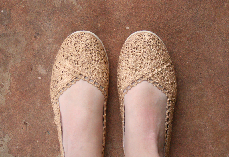 Gold Shoe Makeover Learn How To Transform Some Plain Crochet Flats Into Glitzy Gilded