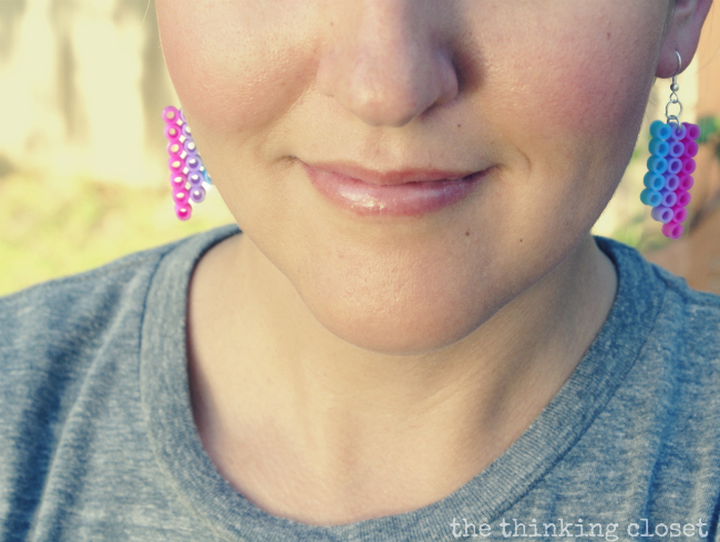 Perler Bead Earrings: A 10 Minute Craft that is fun for all ages. Via The Thinking Closet.