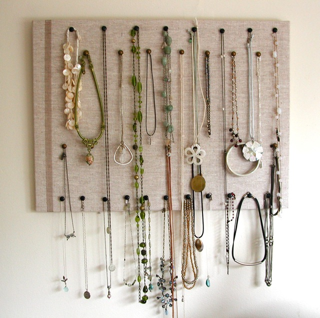 25 creative solutions to necklace organization the thinking closet solutioingenieria Image collections