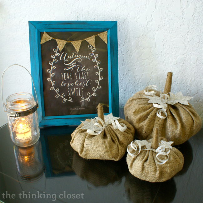 Burlap & Book Page Pumpkins - - super cute and easy fall decor!