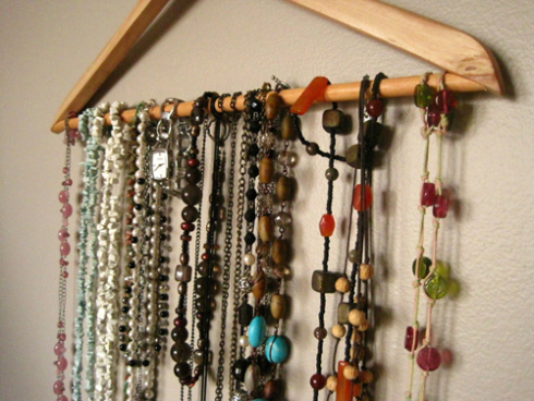 Hanger as Jewelry Organizer | The BB Creative