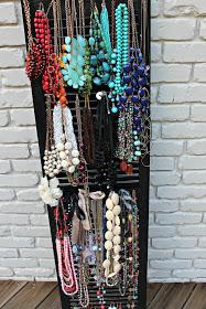 Merveilleux Shutter Necklace Organizer | Southern State Of Mind
