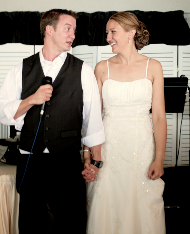 "Saying ""thanks"" to your wedding guests at the reception can go a long way.  via thinkingcloset.com"