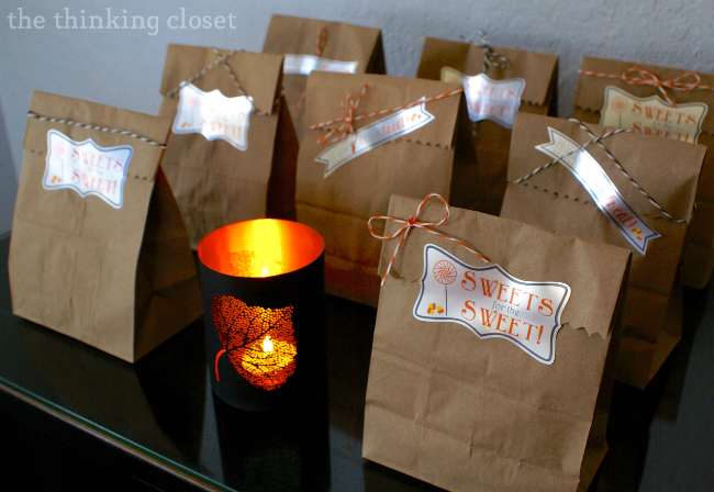 Halloween Party Treat Bags with Custom Silver Foil Labels via thinkingcloset.com
