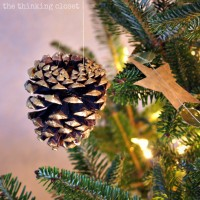 Gold-Brushed Pine Cone Ornaments with #myfavoritebloggers