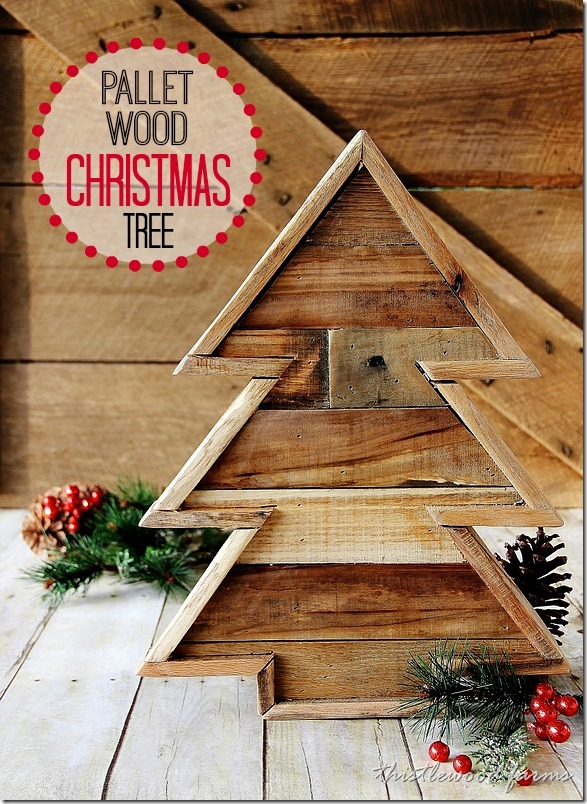 Pallet Wood Christmas Tree by Thistlewood Farms.  Please pin from the original source!