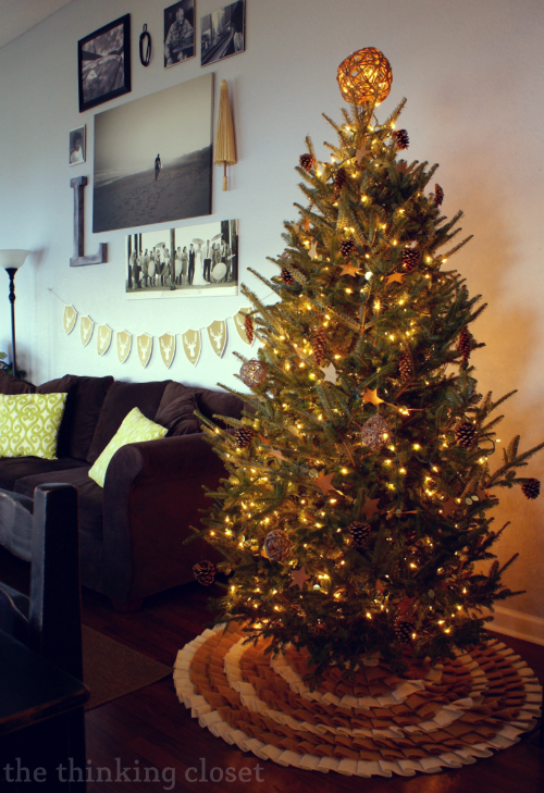 Rustic Glam Christmas Tree via thinkingcloset.com