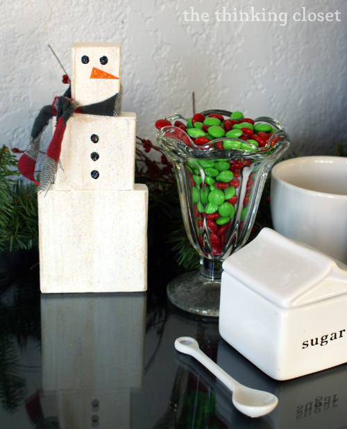 DIY Wood Block Snowman - - quick and easy Christmas craft!