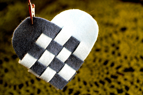Weaving-Danish Heart Baskets by Rad Megan