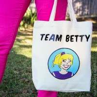 Team Betty Tote Bag & Silhouette Winner!