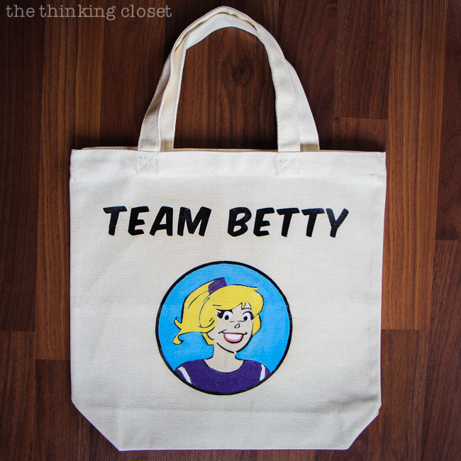 "DIY ""Team Betty"" Tote Bag: A Silhouette Tutorial via thinkingcloset.com"