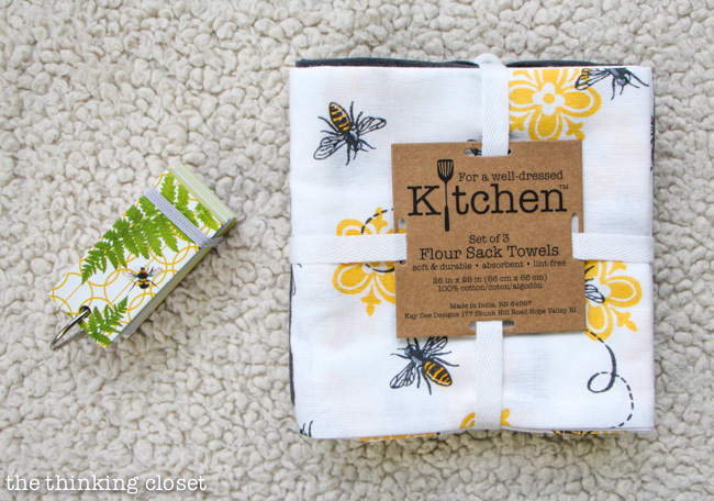 "Baby Shower Gift Package: Kitchen Tea Towels & FREE ""First Memories Mini-Book"" Printable via thinkingcloset.com"