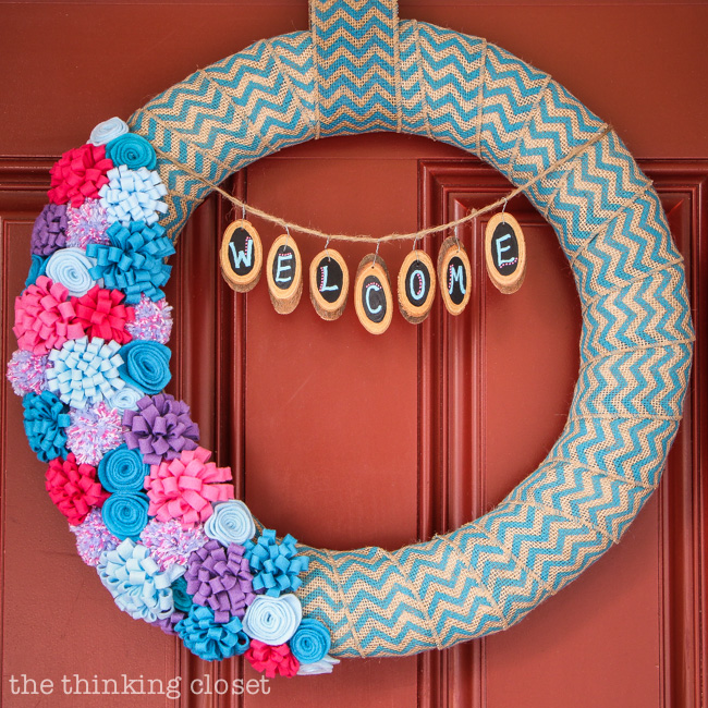Step by step tutorial by thinkingcloset com. Spring to Summer Felt Flower Wreath   the thinking closet
