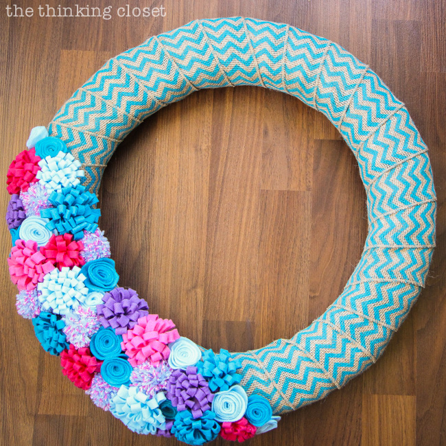 Spring to Summer Felt Flower Wreath Tutorial by thinkingcloset.com