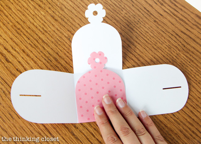 How to make a gift box out of paper via thinkingcloset.com