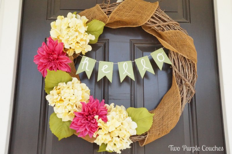 Gorgeous Spring Wreath Round-Up via thinkingcloset.com