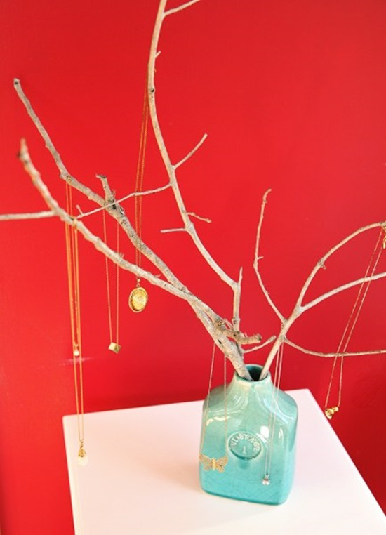 DIY Jewelry Tree: 1 of 10 Inspiring DIY Jewelry Displays at thinkingcloset.com. Don't you love it when organization can simultaneously inspire?