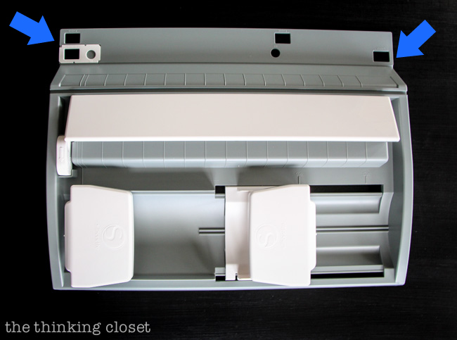 Roll-Feeder: slots for nesting the front feet of your Cameo or Portrait machine.