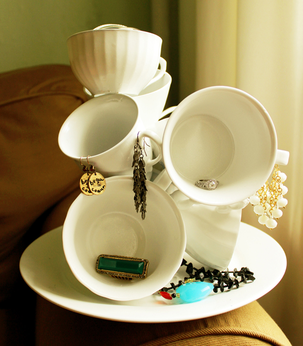Tea Cup Sculpture: 1 of 10 Inspiring DIY Jewelry Displays at thinkingcloset.com. Don't you love it when organization can simultaneously inspire?
