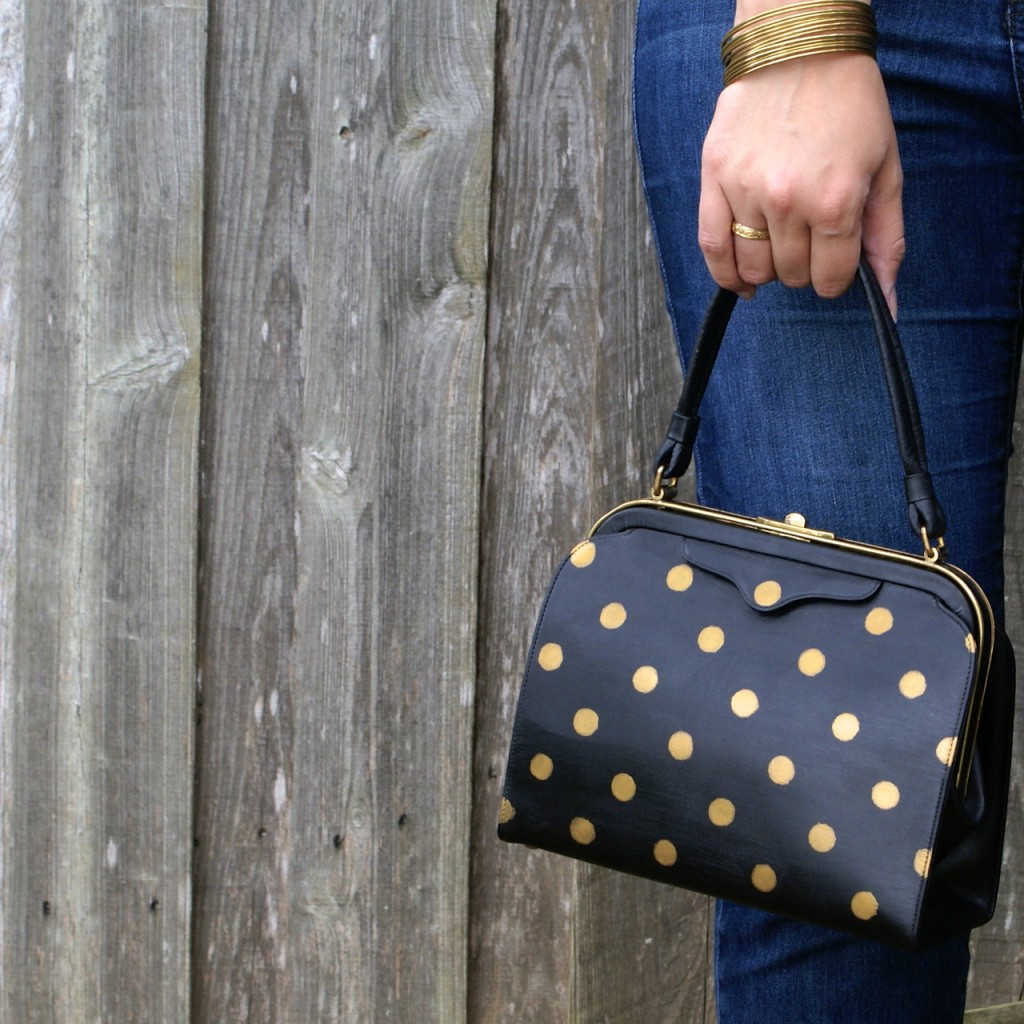 Vintage Purse Makeover Tutorial | How to upcycle a vintage leather purse into a modernized accessory with a gold painted polka dot twist!