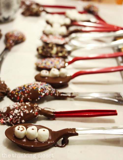 Pointers and tips for making hot chocolate stirring spoons! Such a fun and easy holiday gift idea.