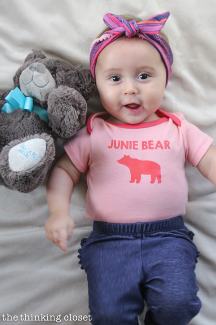 Papa Bear, Mama Bear, Baby Bear T-Shirt Trio Gift Idea   Such a meaningful gift for a new family of three! Think baby shower, mother's day, father's day, Christmas, birthday...any occasion where you want to celebrate new parents or the arrival of their precious little baby bear! Silhouette tutorial includes tips and tricks for working with heat transfer vinyl. It's not as intimidating as you think!
